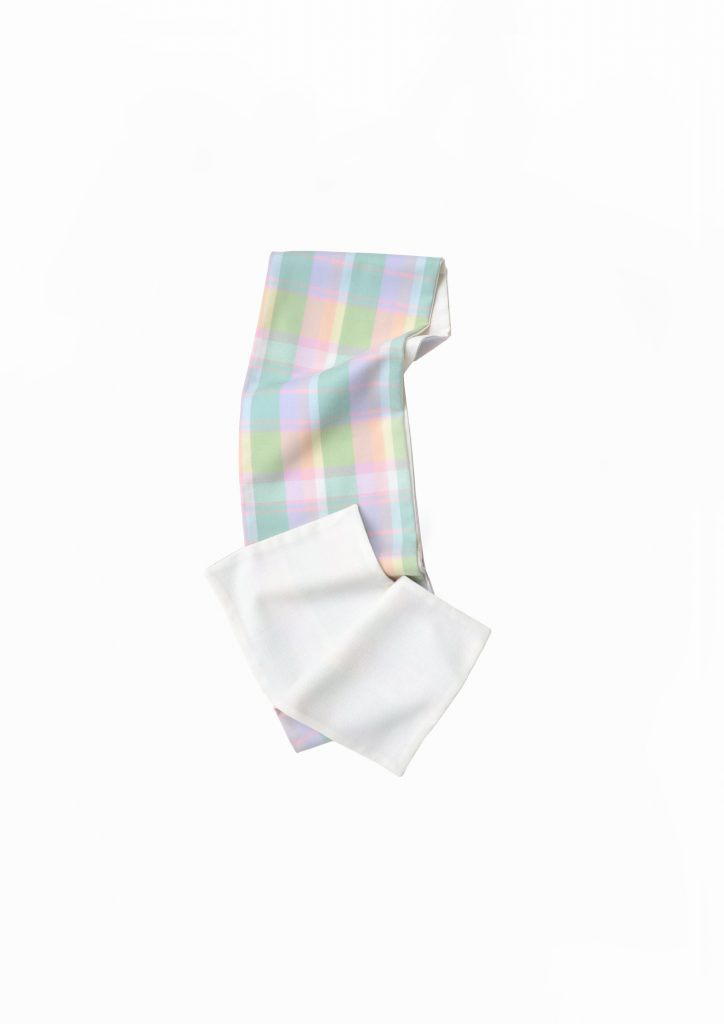Check multicolor and white woolen scarf